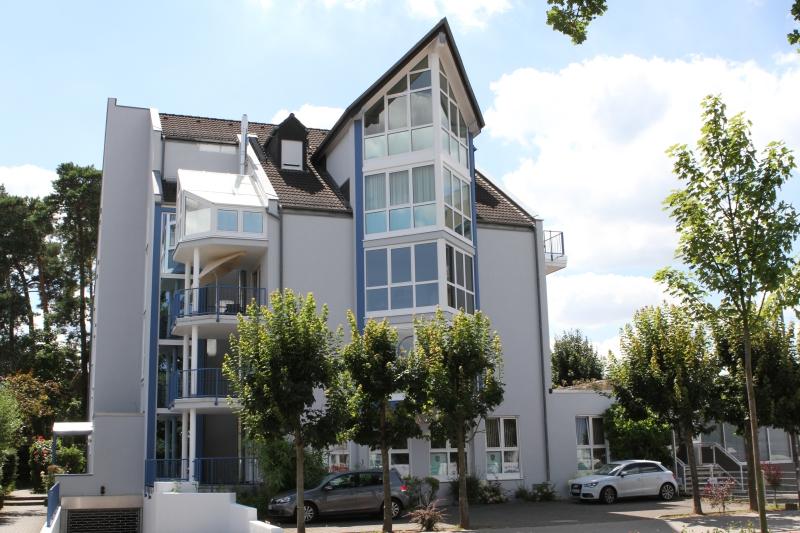 Geschäfts- und Wohnanlage mit 15 Einheiten in Langen, betreut seit 2006